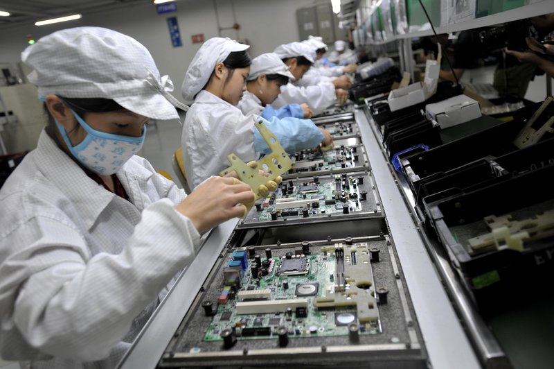 Chinese workers assemble electronic components | PCB Assembly